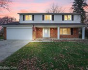 3139 Bloomcrest Dr, Shelby Twp image