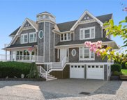 7 Tanners Neck Ln, Westhampton image