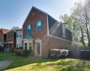 707 Creekside Crescent, South Chesapeake image