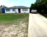 330 Blue Gill Dr, Pipe Creek image