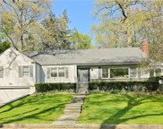 10 Split Tree Road, Scarsdale image