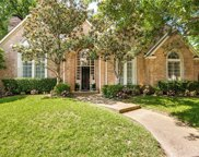 4504 Briar Oaks Circle, Dallas image