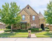 8360 Valley Oaks Drive, North Richland Hills image
