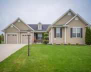 7820 West Mourning Dove Ln, Mequon image