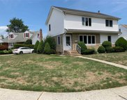 957 Southern  Dr, Franklin Square image