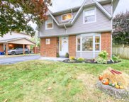 402 Lupin Dr, Whitby image