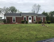 317 Westwind Dr, Springfield image