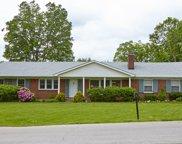 2 Pin Oak Ln, Louisville image