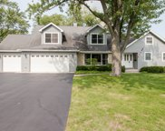 1040 Woodlawn Road, Glenview image