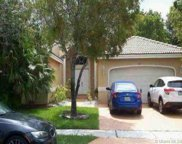 642 Sw 200th Ter, Pembroke Pines image