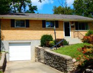 2585 Honeyhill Court, Reading image