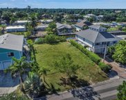 2750 Gulfview Dr, Naples image