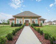 6046 Cypress Point Ln, Gonzales image