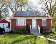 101 Crestwood  Drive, Manchester image