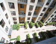 1150     J     514, Downtown image