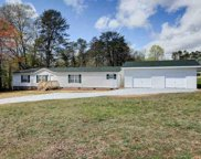 551 E Darby Road, Taylors image