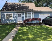 1185 S Strong Ave, Copiague image