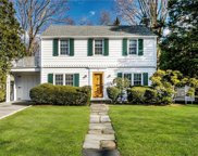 32 Robin Hill Road, Scarsdale image