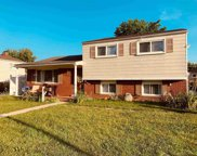 2746 Pall Mall Dr, Sterling Heights image
