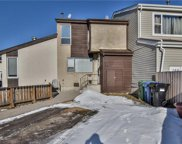 290 Pensville Close Southeast, Calgary image