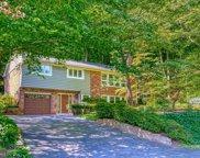 6393 Lakeview   Drive, Falls Church image