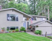 19752 40th Ct NE, Lake Forest Park image
