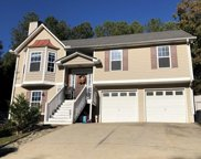 115 Greatwood Dr, White image