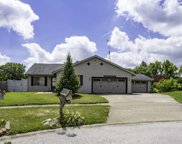30W291 Small Tree Court, Warrenville image