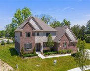 52938 Forest Grove Dr, Shelby Twp image