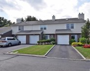 27 Sandy Hill Rd, Commack image