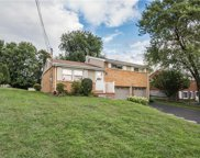 207 Burch Dr, Moon/Crescent Twp image