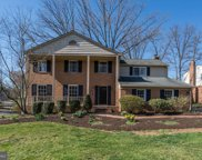 7913 Foxhound   Road, Mclean image