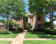 312 W Mill Valley Court, Colleyville image