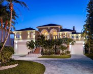 944 Point Seaside Drive, Crystal Beach image