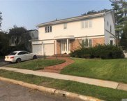 19 Gale  Drive, Valley Stream image