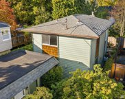 922 N 82nd St, Seattle image
