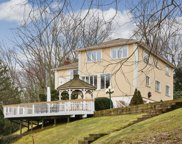 873 Oyster Bay Rd, East Norwich image