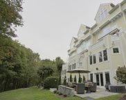 2042 Beacon Heights Dr, Reston image