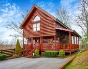 1070 Towering Oaks Dr, Sevierville image