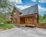 1123 Towering Oaks Dr, Sevierville image