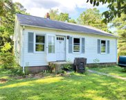 5811 Queen Alice Road, Greensboro image