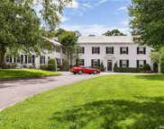 10 Lands End  Road, Locust Valley image