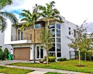 9723 Nw 75th St, Doral image