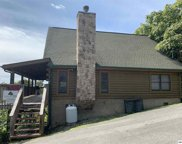 2212 Eagle Feather Drive, Sevierville image