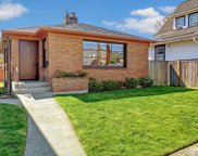 907 N 67th St, Seattle image
