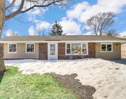 1613 W Weathersfield Way, Schaumburg image