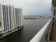 901 Brickell Key Blvd Unit #3005, Miami image