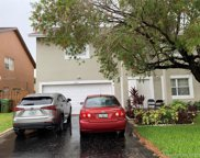 1410 Sw 97th Ter, Pembroke Pines image