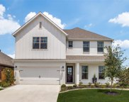 6385 Red Cliff Drive, Fort Worth image