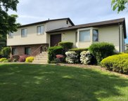 31 Lakeward  Avenue, Clarkstown image